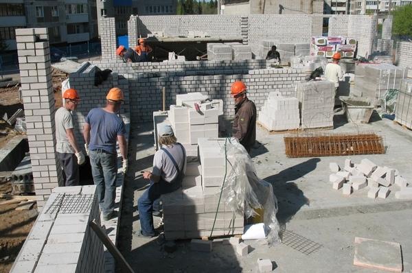 Строительство дома для сирот по улице Гражданской, 33 в Лянгасово идёт по графику