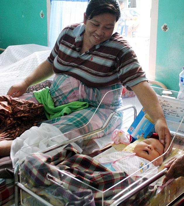 В Индонезии родился малыш весом почти в 9 кг