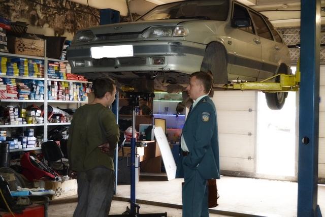 Чепецкие чиновники обнаружили в гараже нелегальную автомастерскую