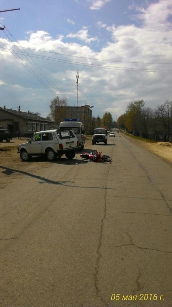 В Свече «Нива» сбила 17-летнего мотоциклиста: подросток в больнице