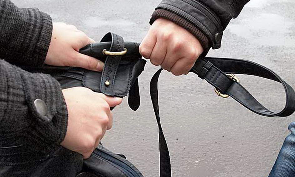 Бывший зэк пытался задушить кировчанку прямо на улице