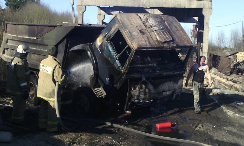 В Лузском районе на ходу загорелся «КамАЗ»