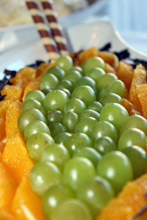 Ученые: виноград с апельсином защитят от ожирения и диабета