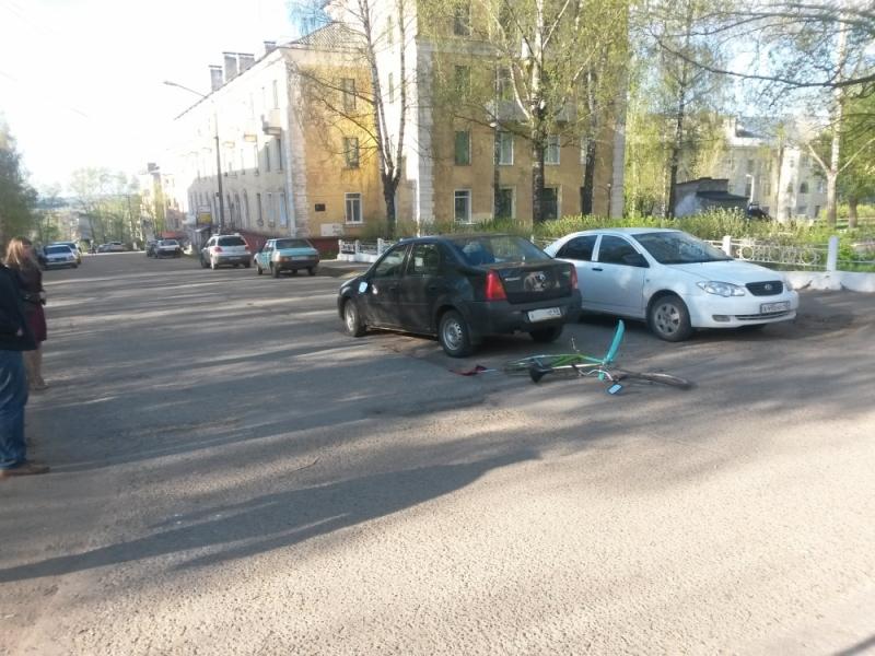 В Кирово-Чепецке Renault сбил велосипедиста