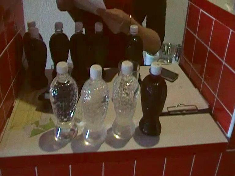 В кировском кафе продавали чачу и вино домашней выработки