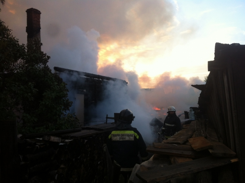 В Белохолуницком районе сгорел дом и две бани