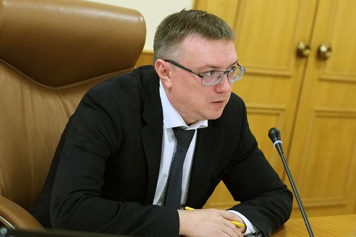 Помощник министра здравоохранения России предложил устроить самоизоляцию 11 и 12 октября