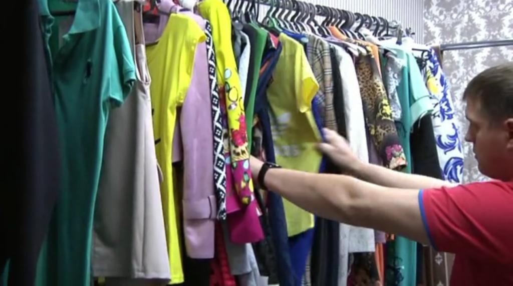 В Кирове из магазина изъяли партию контрафактной одежды