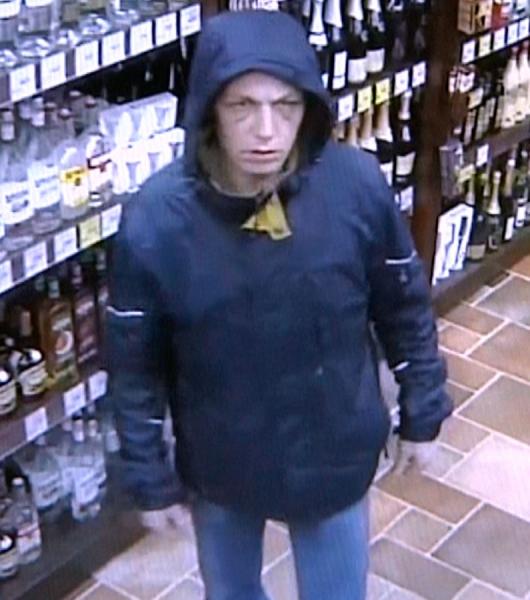 В Кирове ищут мужчину, укравшего алкоголь и продукты из магазина