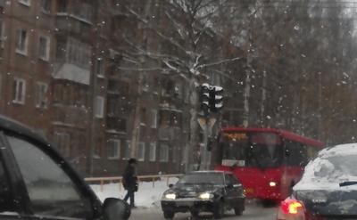 вторые сутки не работает светофор в Кирове