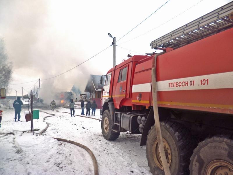В Кирове сгорел производственный цех