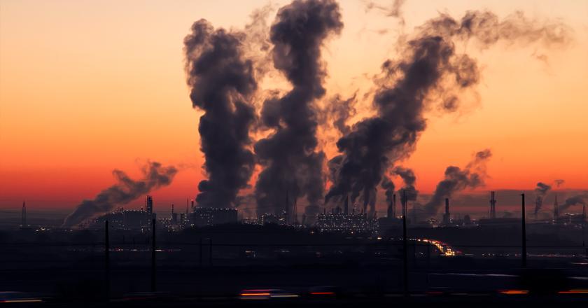 Ученые предложили проверить воздух и почву во всех российских школах