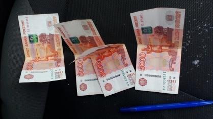 В Кирове мужчина пытался дать взятку в 20 тысяч рублей сотрудникам ДПС