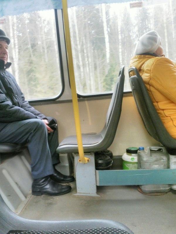 «Суровый» кировский автобус высмеяли на сайте «Пикабу»