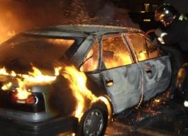 Киров: двое жителей из мести подожгли иномарку соседа