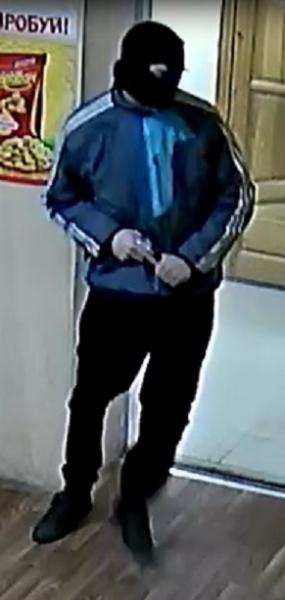 Полиция разыскивает подозреваемого в нападении с целью хищения денег