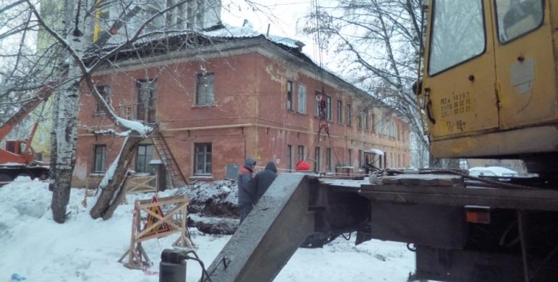В Кирове в дом, на который упал кран, разрешили заселить жильцов