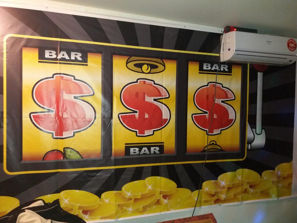 Возбуждено уголовное дело по факту незаконных организации и проведения азартных игр