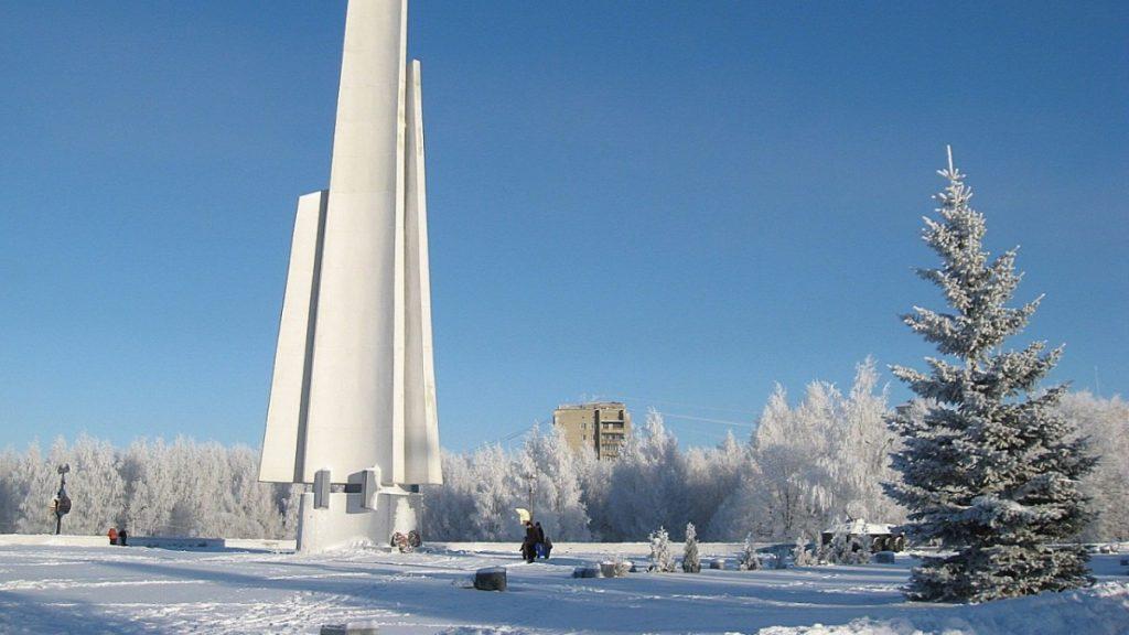 На ремонт стелы в Парке Победы потратят более миллиона рублей