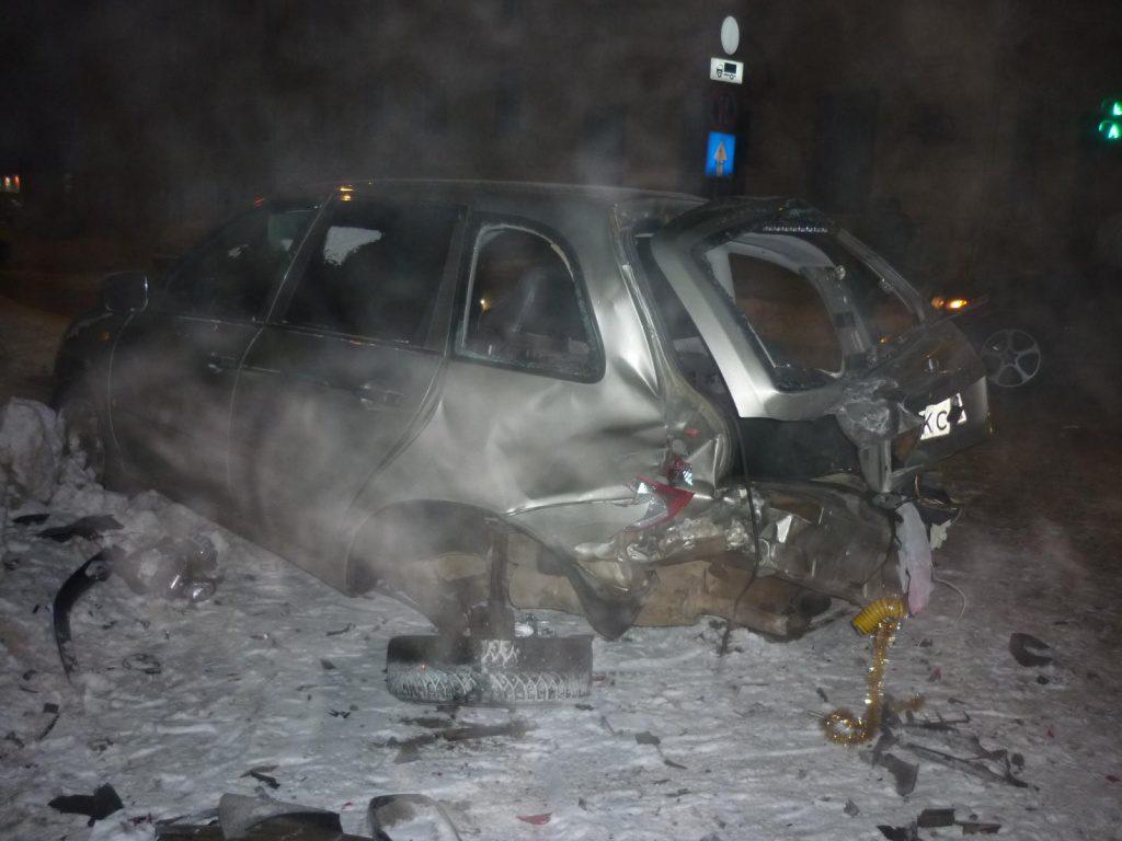 На Октябрьском проспекте водитель BMW спровоцировал тройное ДТП