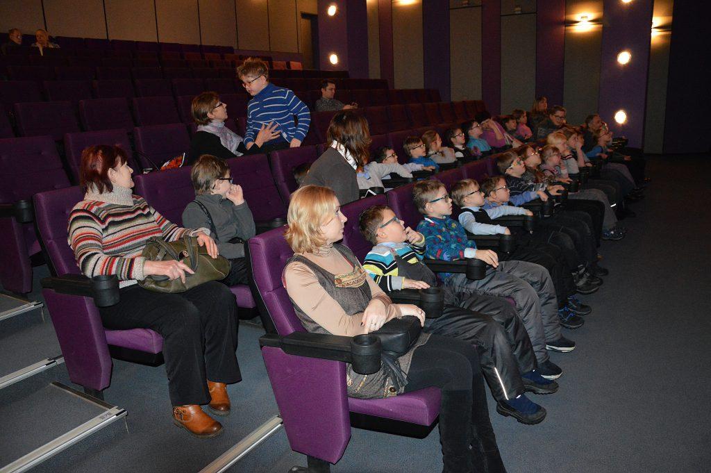 В Кирове слабовидящие дети побывали на уникальном кинопоказе