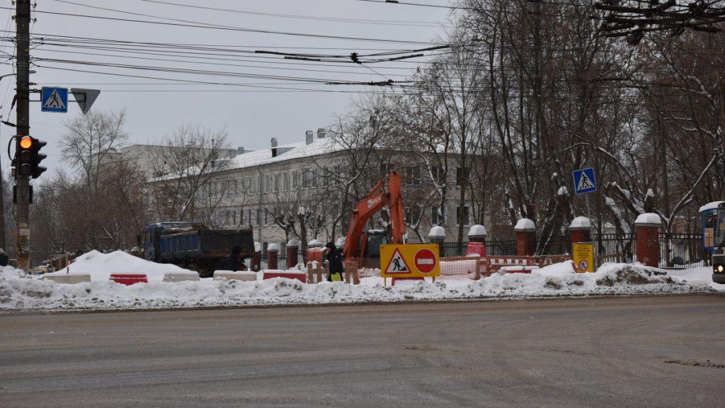 На пересечении улиц Попова и Щорса временно ограничено движение транспорта