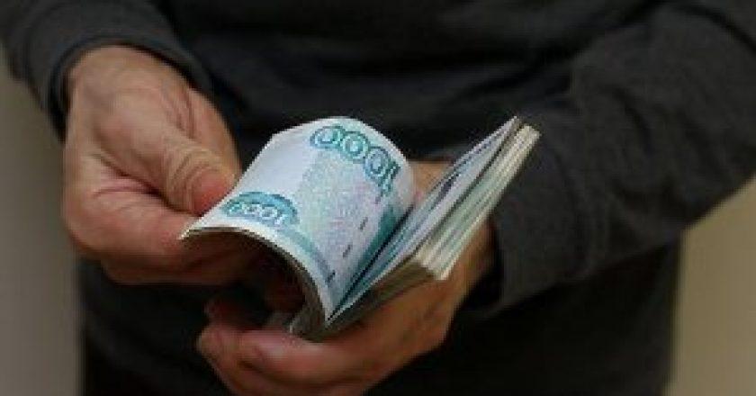 В отношении начальника хозяйственного отдела Кировской областной детской клинической больницы возбуждено уголовное дело