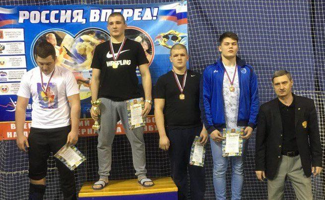 Кировчанин завоевал бронзу первенства ПФО по вольной борьбе