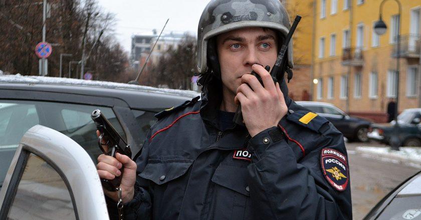 В Кирове зэк украл 200 кг металла и вывез его на санках