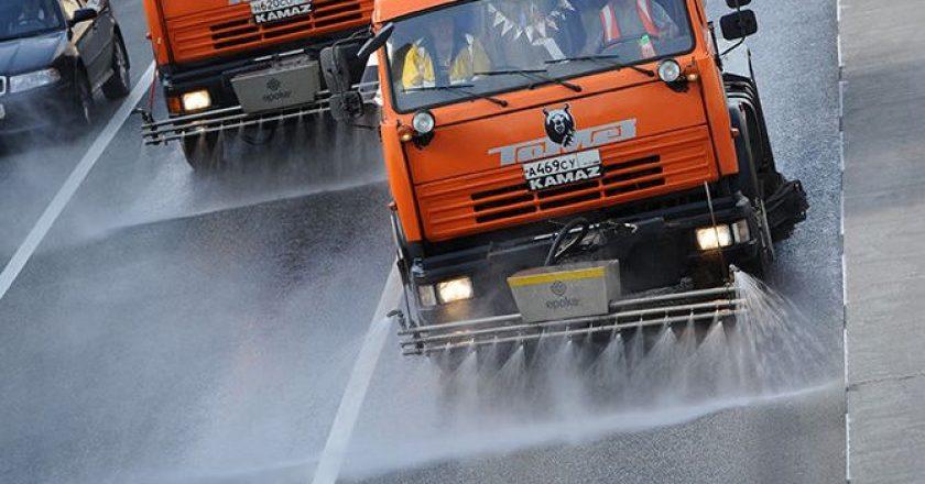 В Кирове начнётся влажная уборка улиц