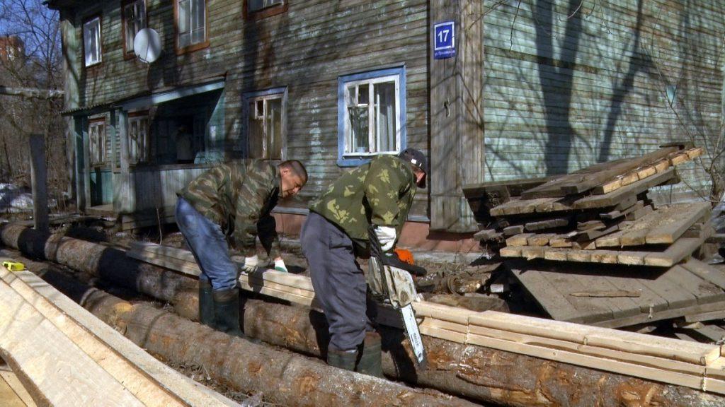 В Вересниках начат ремонт наплавных тротуаров