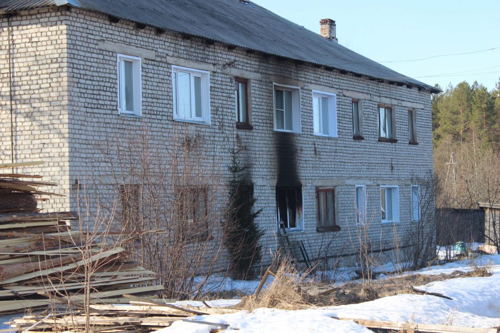 В Котельничском районе семья из трех человек погибла в пожаре