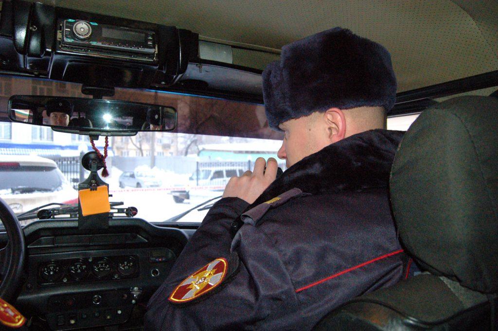 В Кирове сотрудники Росгвардии задержали молодого человека, который передвигался на автомобиле без номеров