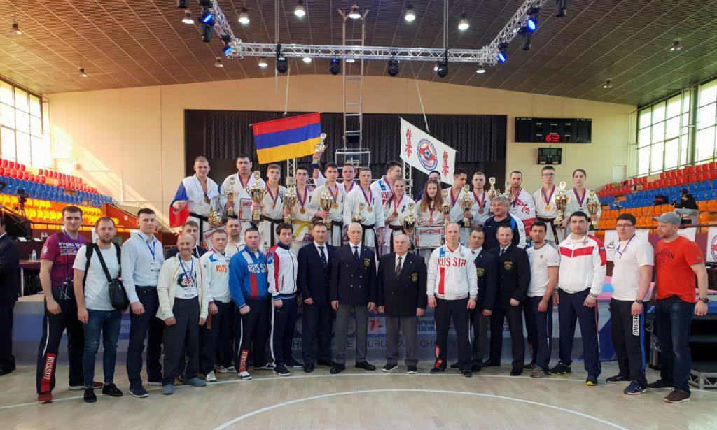 Девять наград завоевали кировские бойцы на чемпионате и первенстве Европы по киокушинкай