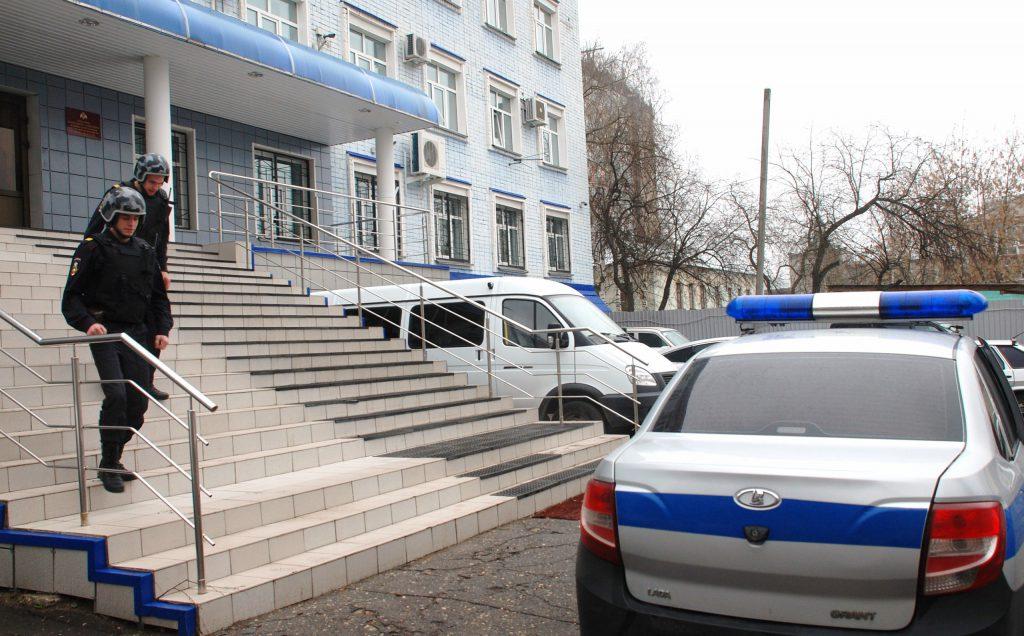 В Кирове росгвардейцы задержали мужчину, подозреваемого в краже из ломбарда