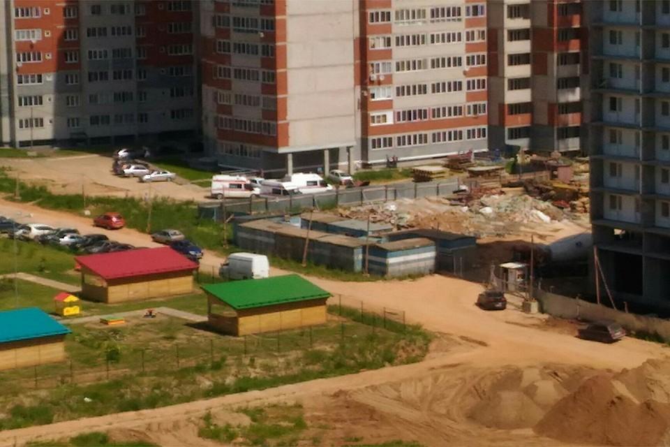 В Кирове на стройке с 19-этажной высоты упали два строителя