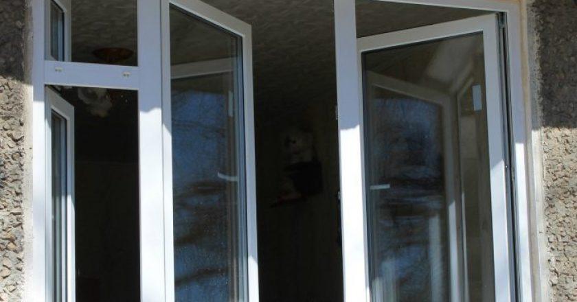 В Кирове женщина, мывшая окна, упала с 9-го этажа