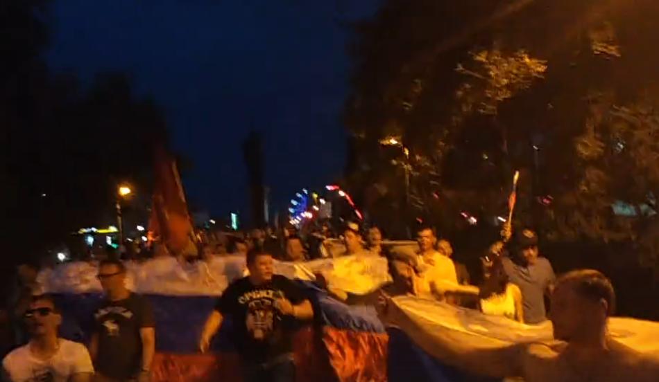 Кировские болельщики перекрыли центральные улицы
