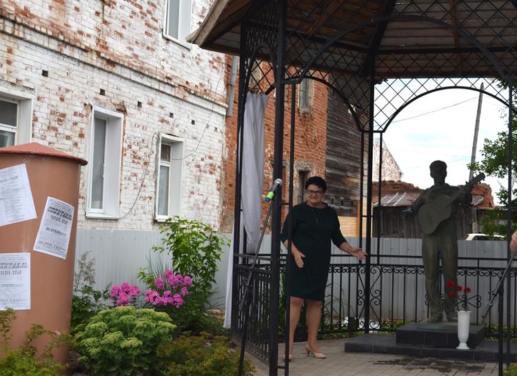 В Нолинске торжественно открыли памятник Борису Чиркову