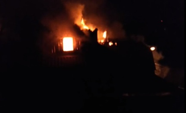 В Кирове снова пожар: в горящем жилом доме чуть не погибли люди