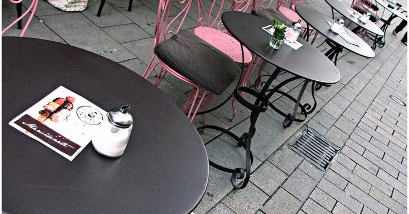 Кировчане стали экономить на питании в столовых и кафе