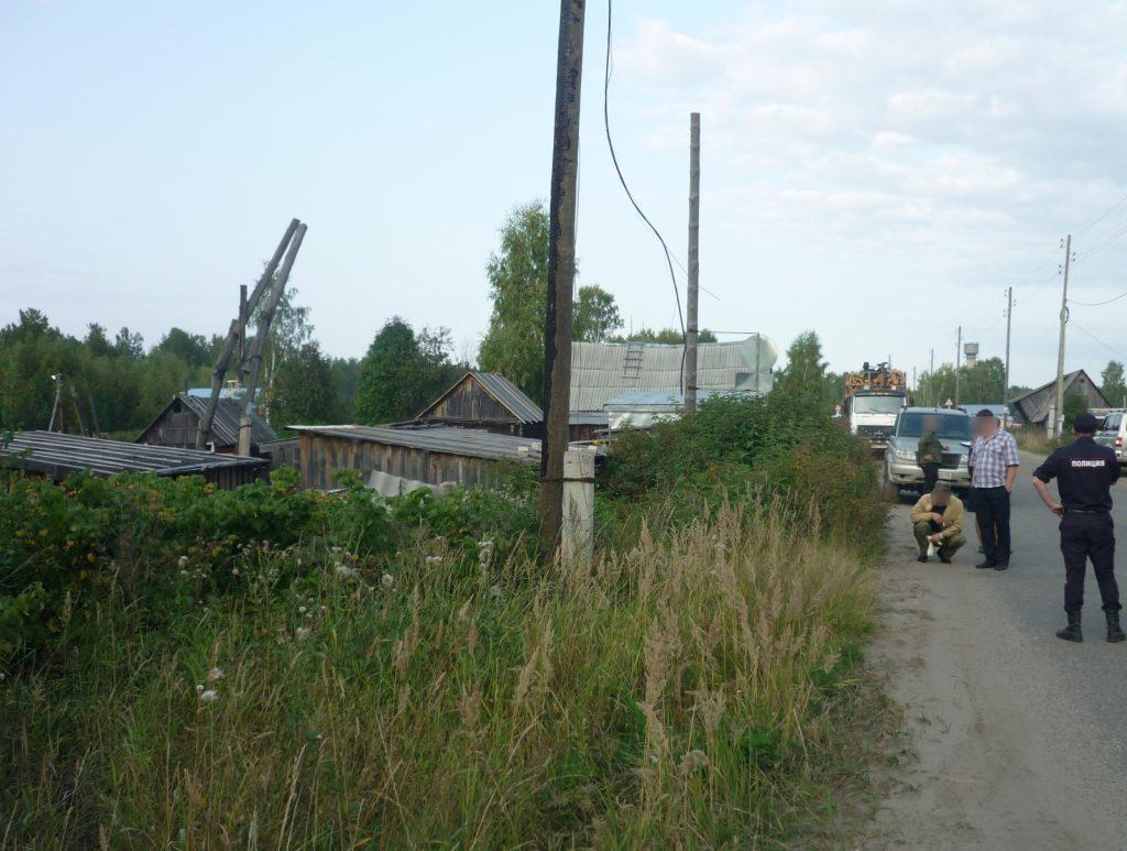 По факту обнаружения тела мужчины на обочине дороги в поселке Светлополянск возбуждено уголовное де