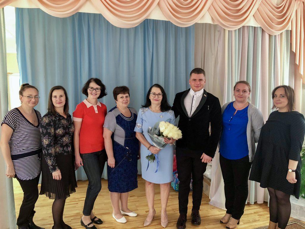 Павел Валенчук поздравил сотрудников детских садов с профессиональным праздником