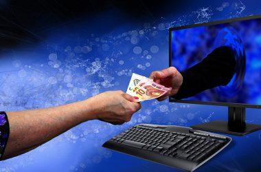 Жительница Кировской области перевела мошеннику более 10 тысяч евро