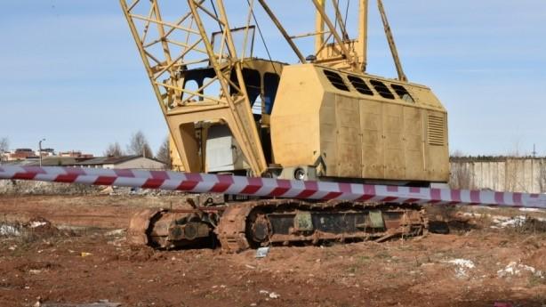 Власти Кирова ищут владельцев брошенных башенных кранов