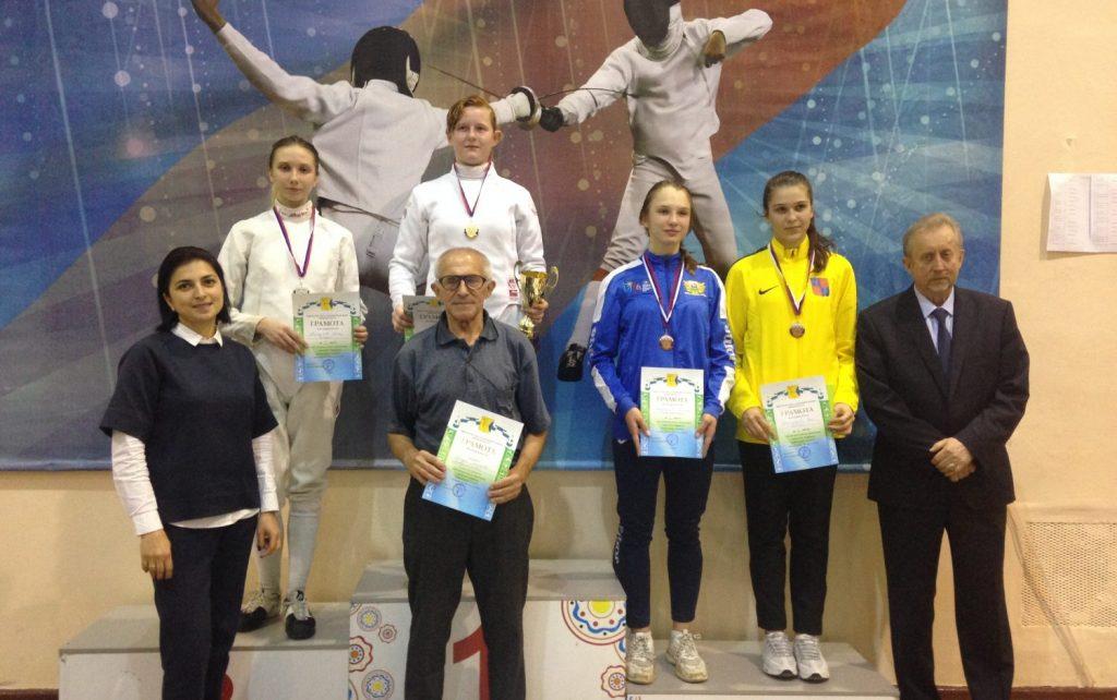 В Кирове прошли всероссийские соревнования по фехтованию на шпагах среди кадетов памяти Порфирьева Н.В