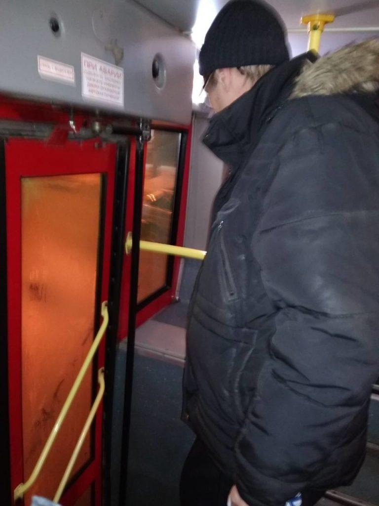 В Кирове в автобусе заметили эксгибициониста