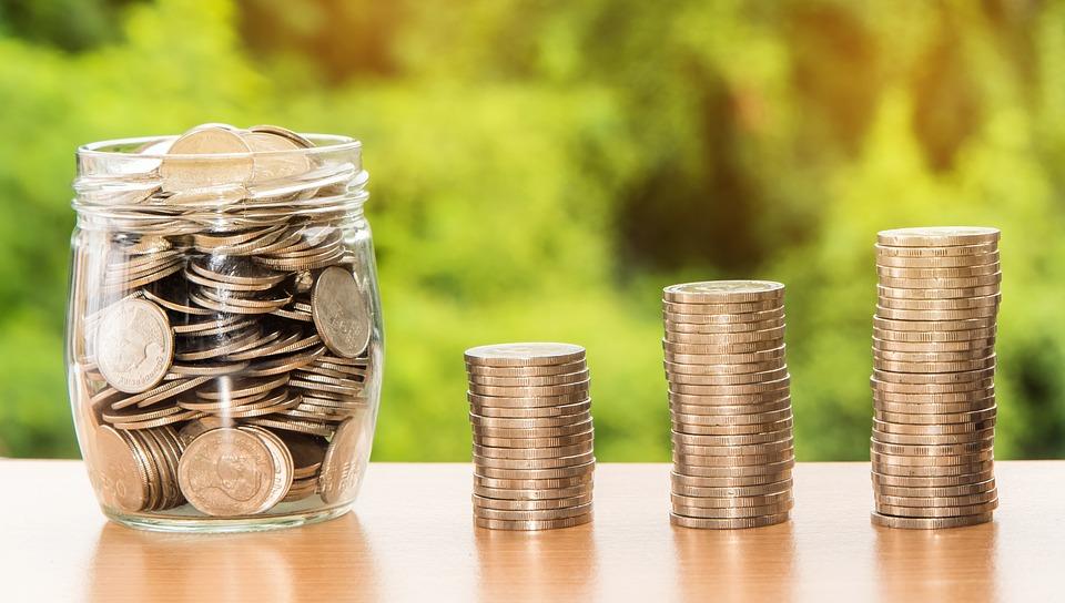 Кировчане стали меньше покупать квартиры и больше — валюту