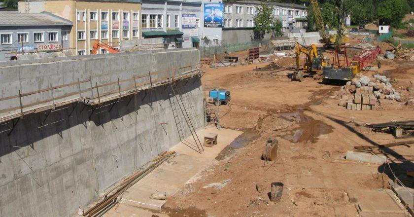Дорогу в зоне строительства путепровода перекрыли до апреля 2019 года