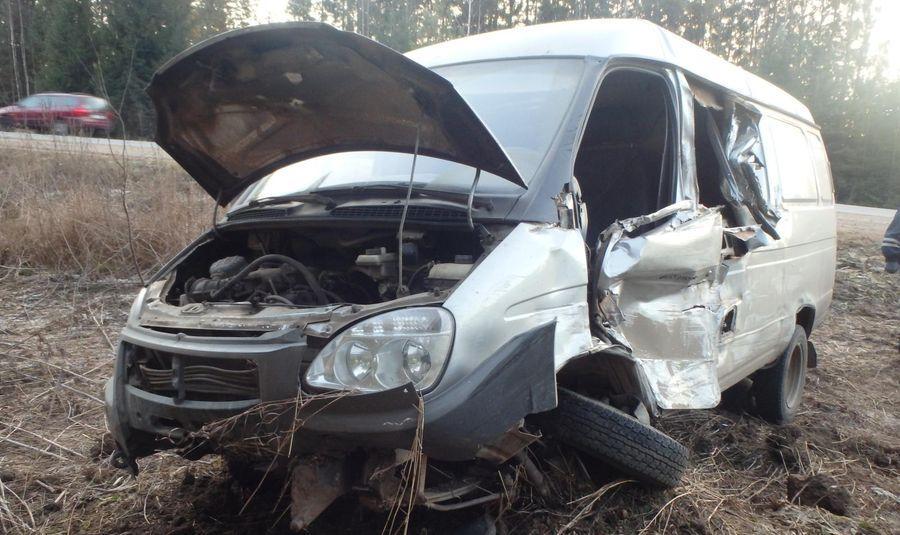 В Кирово-Чепецком районе столкнулись «Газель» и грузовик